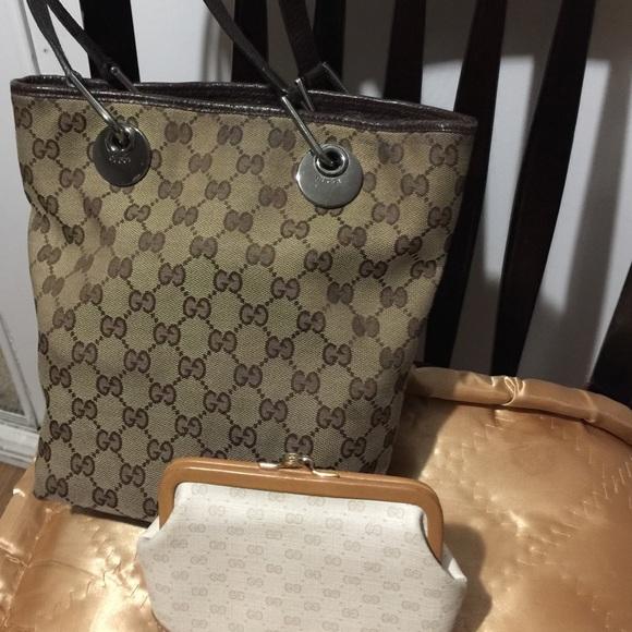 Gucci Handbags - Authentic Gucci Bucket Bag (Vintage)